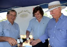 Tamworth wine producers, John Almond and Aaron Arnull-Almond from Melville Hill Estate, poured a taste for Allan Jeffkins of Willow Tree.