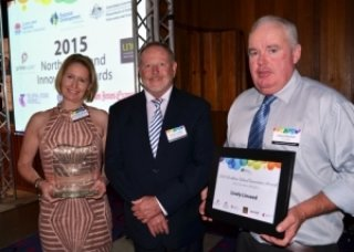 2015 RDANI Innovation of the Year was Lively Linseed, presented by RDANI Chair Russell Stewart (centre)