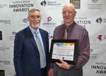 Inverell Shire Mayor Paul Harmon with Agriculture & Horticulture Highly Commended Graeme Rapp of Narrabri.